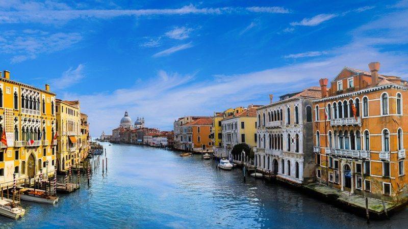 Visiter l'Italie pour un voyage en amoureux.